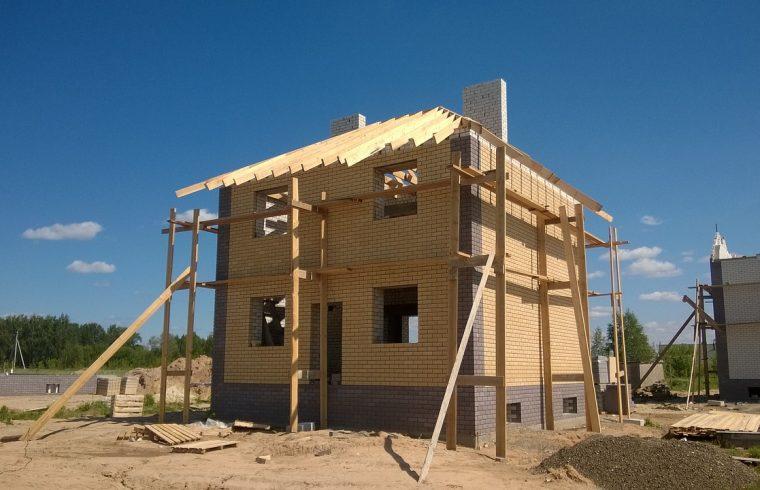Nowe życie Pabianic - Więcej pozwoleń na budowę domów! Źródło EPAinfo Pabianice